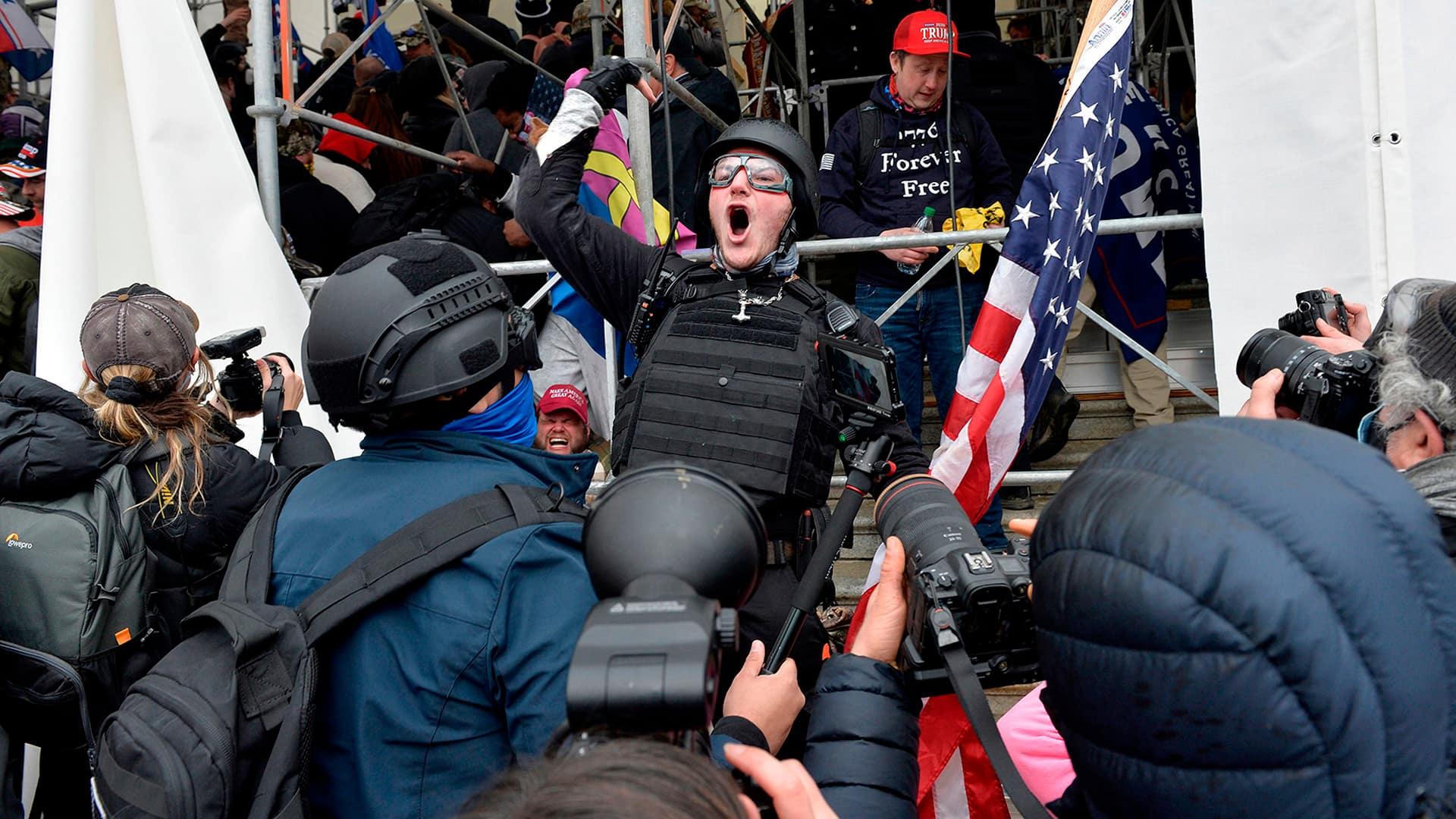 ca.news.yahoo.com: U.S. security officials point fingers for Capitol Hill riots
