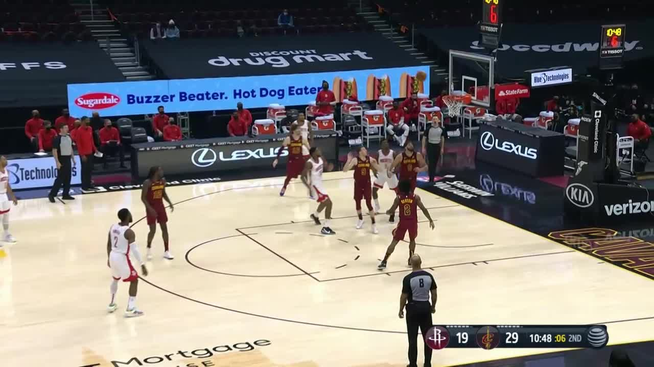 Justin Patton with a 2-pointer vs the Cleveland Cavaliers