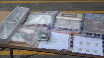 警方拘一對男女檢逾千萬元毒品