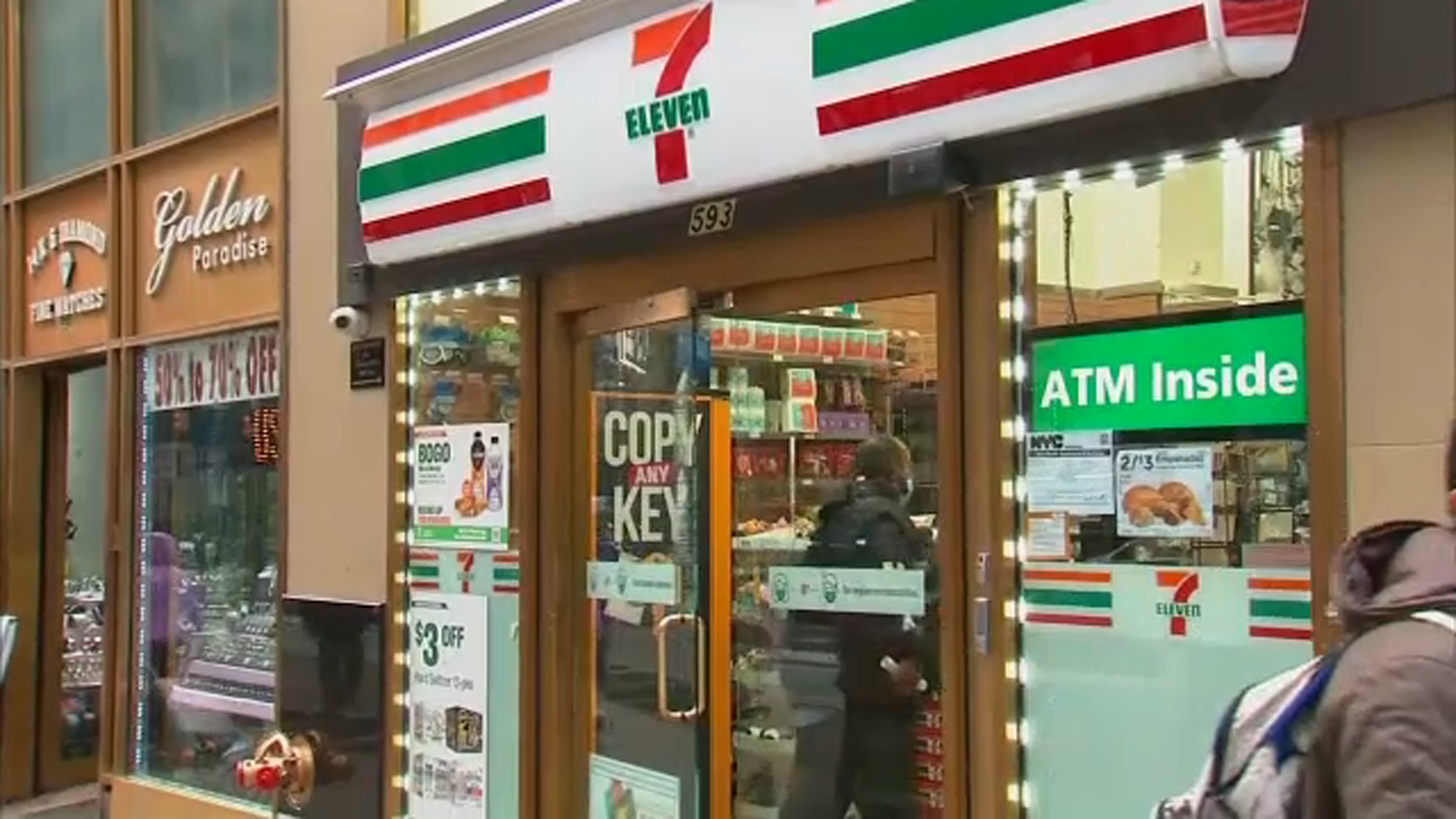 www.yahoo.com: Asian store worker punched in face; hate crime investigation underway