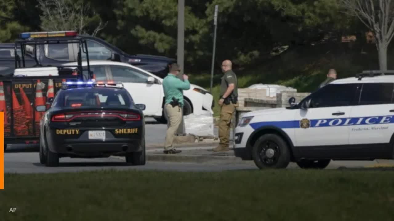 Ο Ναυτικός ιατρός πυροβολεί 2 στο επιχειρηματικό πάρκο του Μέριλαντ και στη συνέχεια πυροβόλησε και σκότωσε σε κοντινή βάση