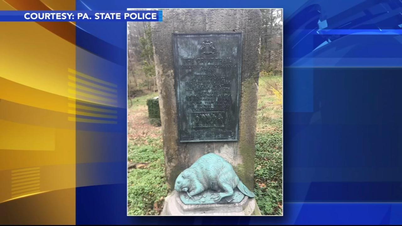 Η αστυνομία ψάχνει για ιστορικό άγαλμα, πλάκα κλεμμένη από μονοπάτι