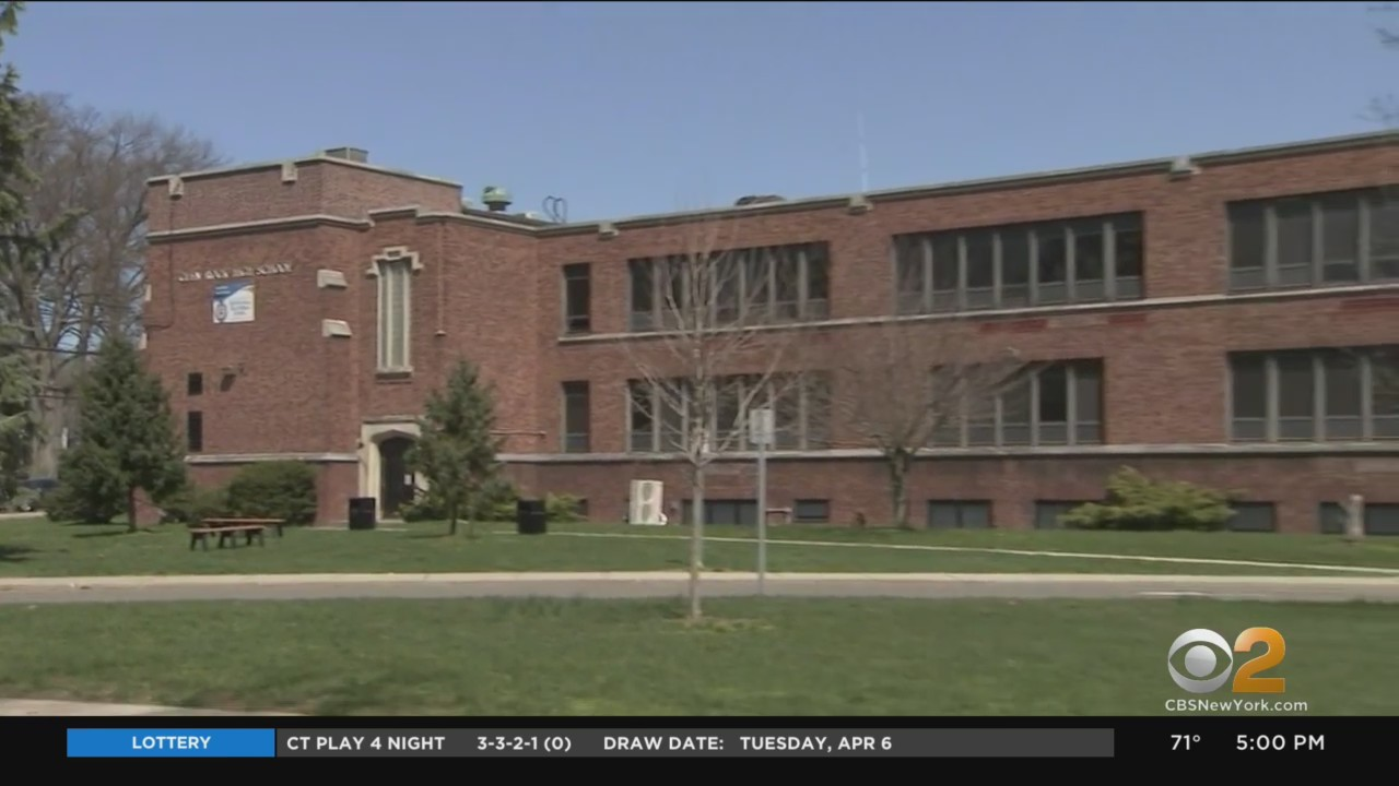 news.yahoo.com: New Jersey High School Goes Virtual Due To COVID Spike After Spring Break