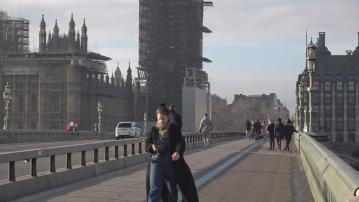 英國指至今2.7萬港人以BNO簽證移居當地