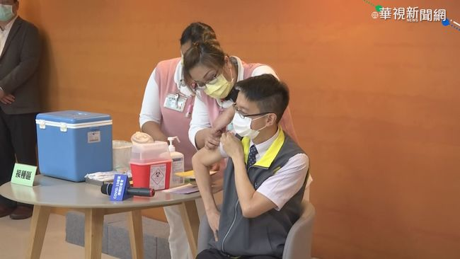 AZ疫苗今擴大接種 防疫人員帶頭打