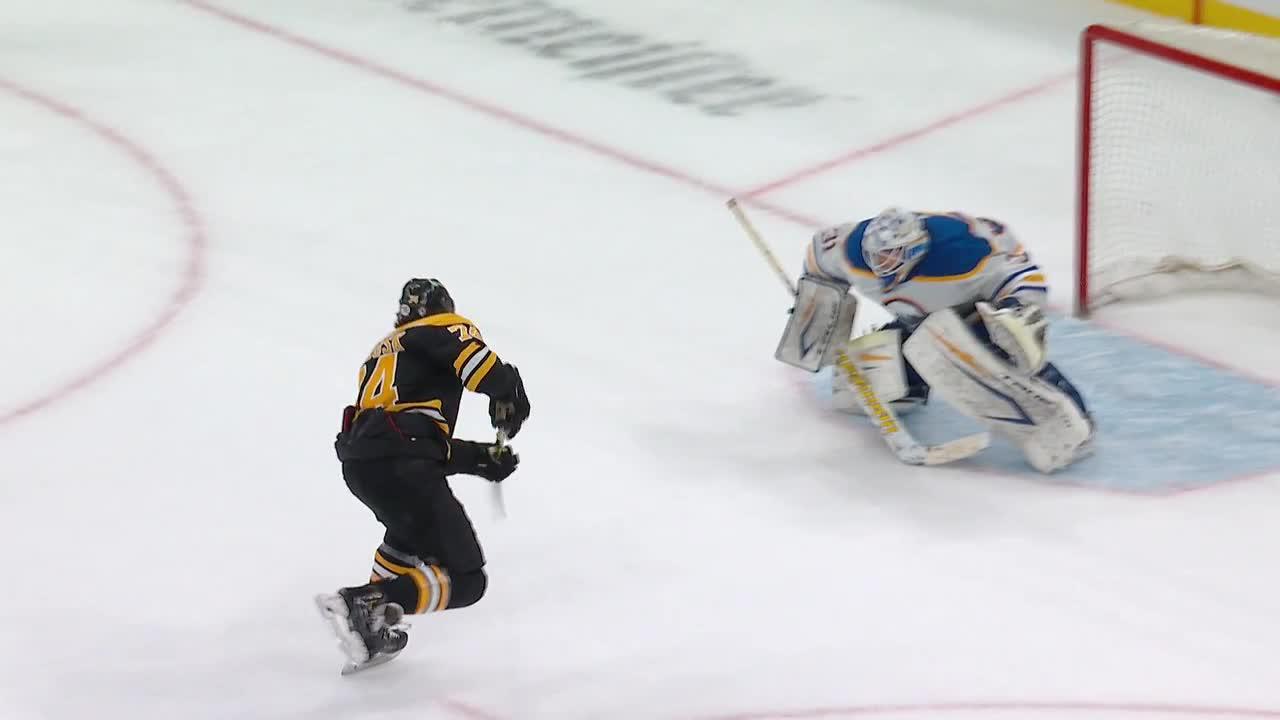 Boston Bruins vs. Buffalo Sabres - Game Highlights