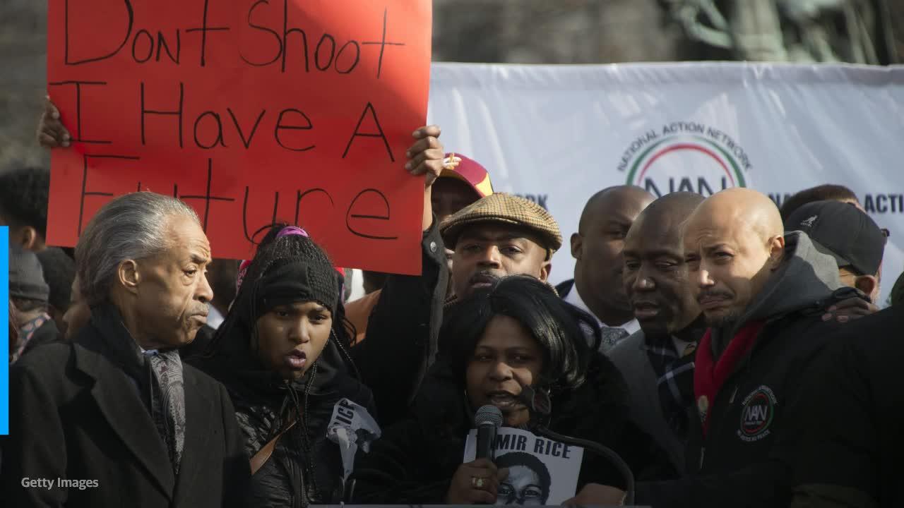 news.yahoo.com: Tamir Rice's family asks DOJ to reopen case