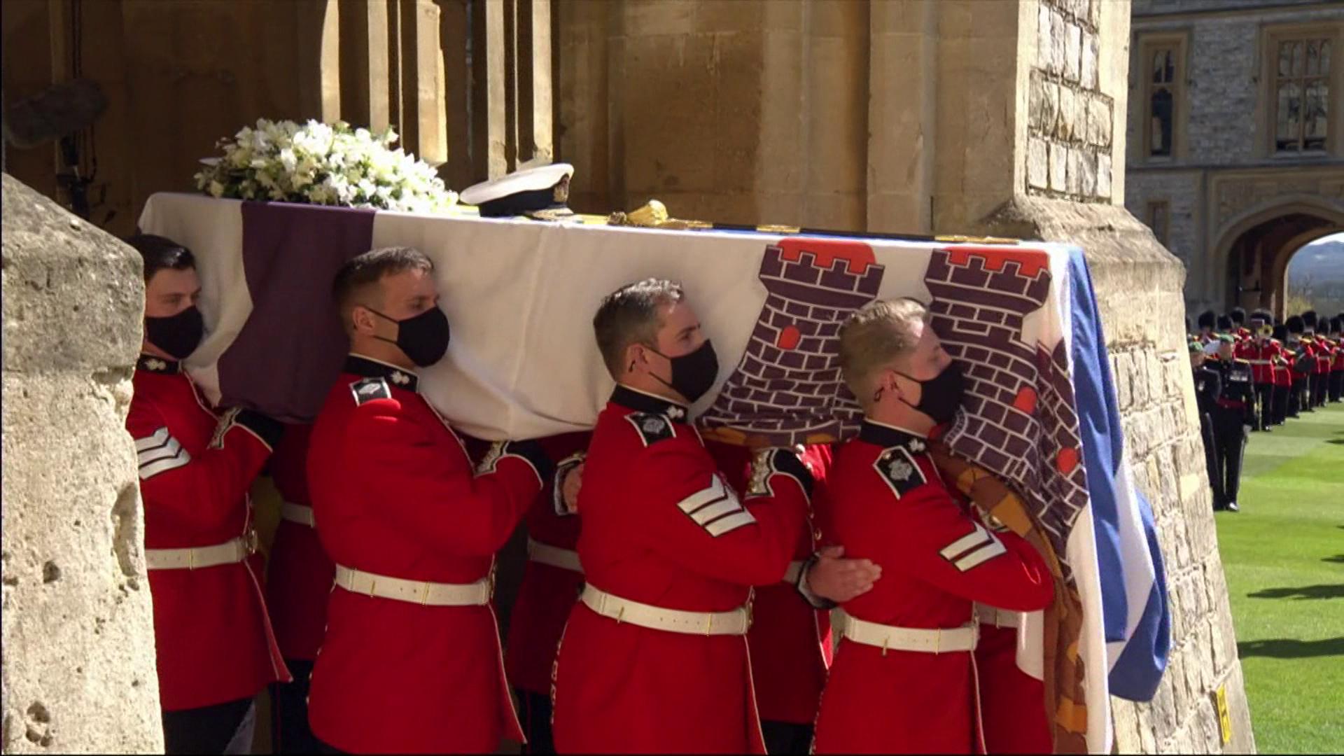 王室送菲立普親王 軍事色彩紀念「功勳老兵」