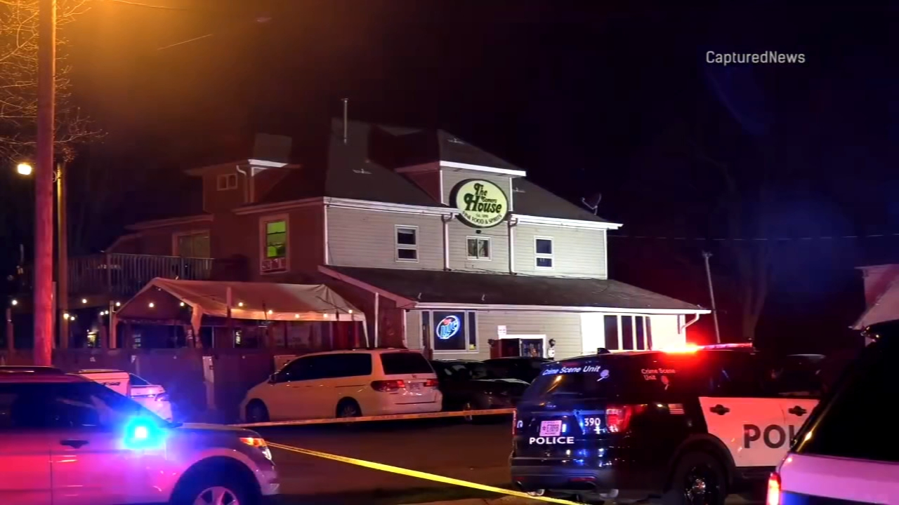 Official: 3 dead, 2 wounded in shooting at Wisconsin tavern