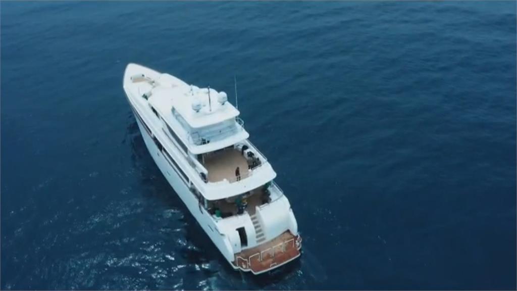 4.5億豪宅海上開! 開箱巨型新遊艇「波克125」