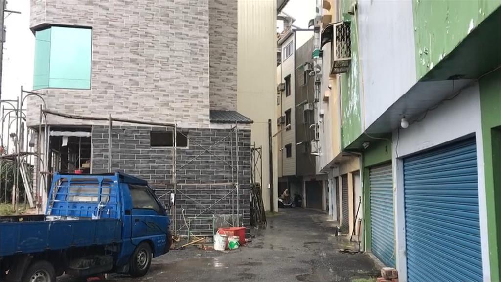 別墅外推陽台設電梯 鄰怨巷道變3米2難會車