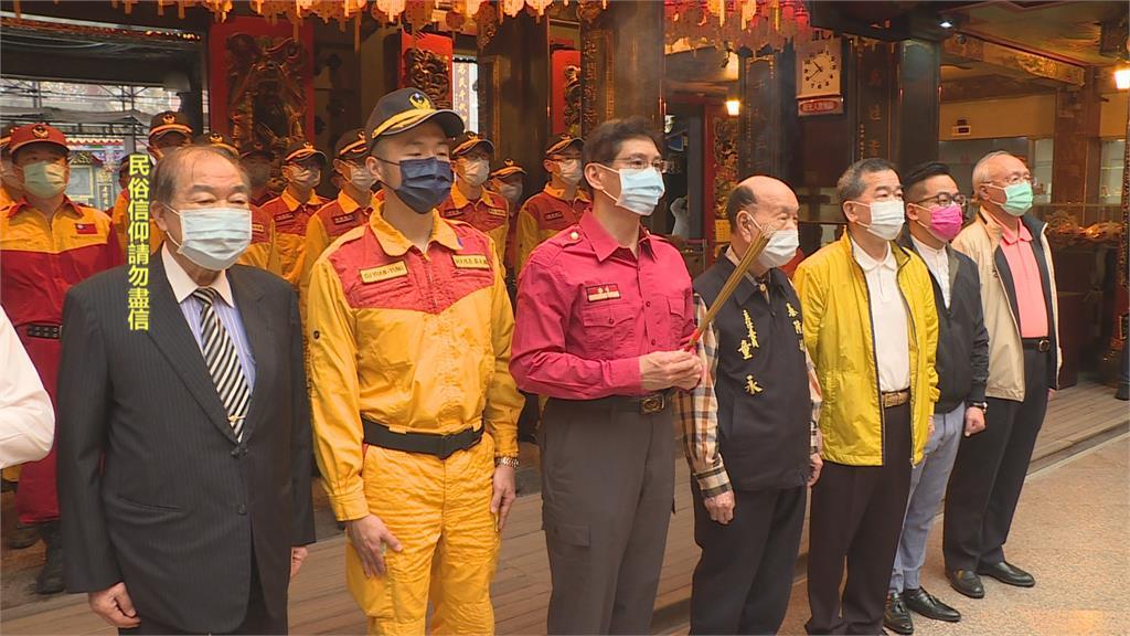 親睹血跡屍塊 消防特搜隊慶安宮祈福盼心情回復