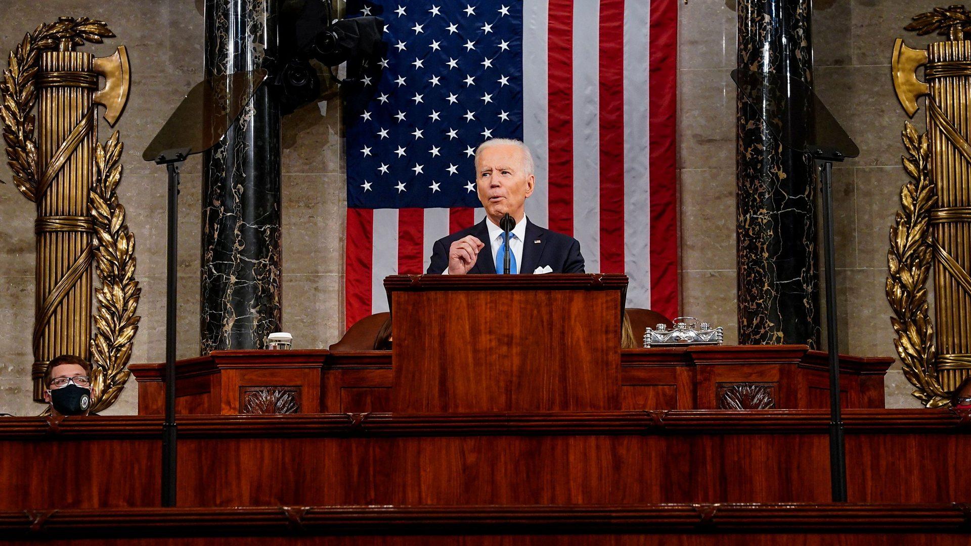 美國總統拜登的首個100天