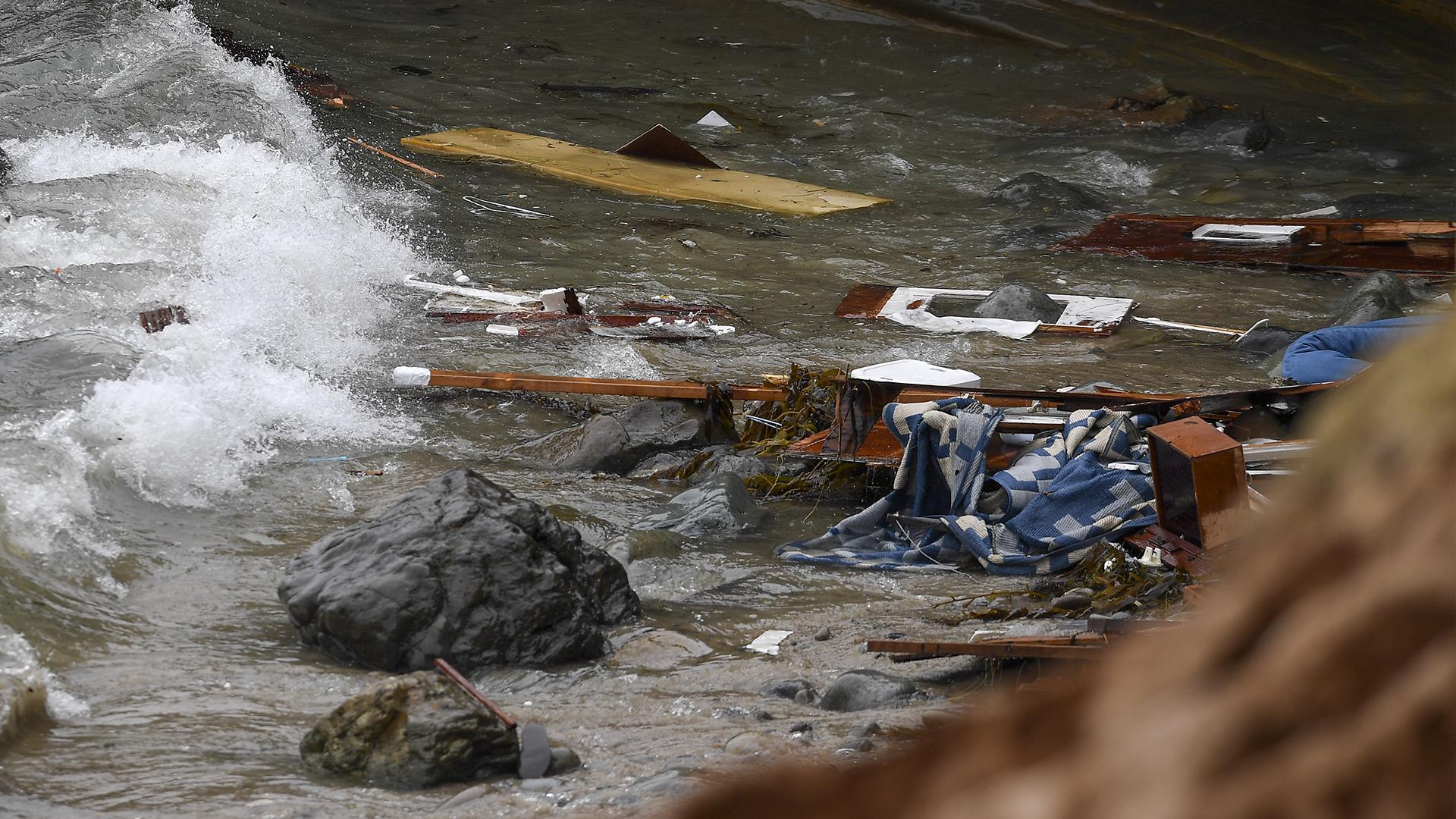 Al menos tres muertos en el naufragio de una embarcación con migrantes en  las costas de California