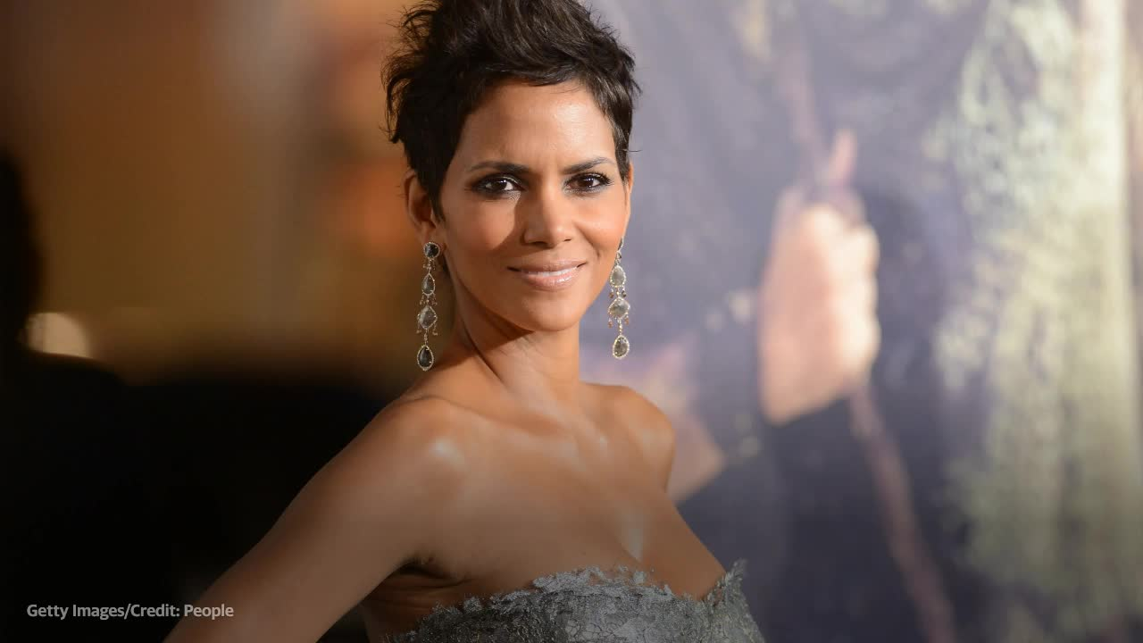 Halle Berry shares sexy topless photo