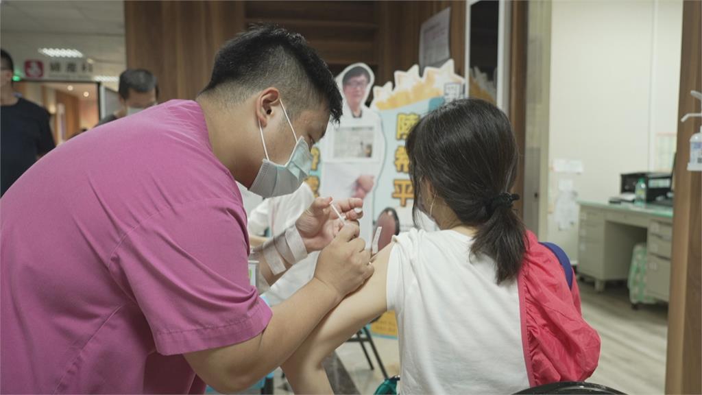 孕婦可選打莫德納 高雄準媽咪一早接種