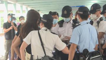 警方於銅鑼灣旺角戒備 賢學思政三成員被指涉分發煽動刊物被捕