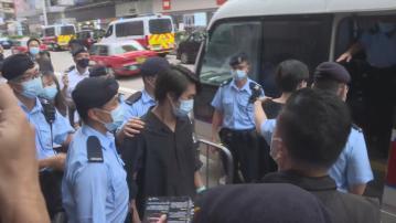 警方於銅鑼灣旺角戒備 11人涉嫌分發煽動刊物被捕