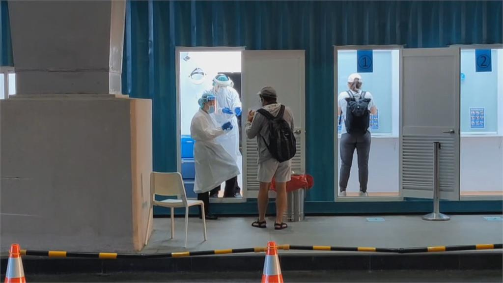 2人採檢500旅客 桃機檢疫人員忙出病來
