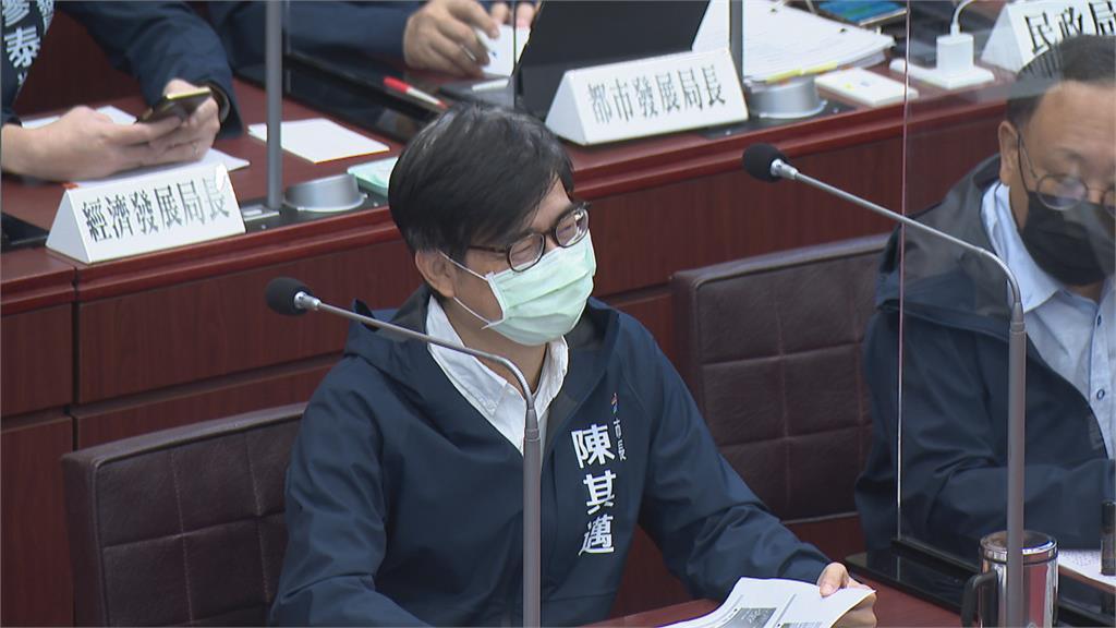 陳其邁拚防疫又冒白髮 綠議員讚:超性感的