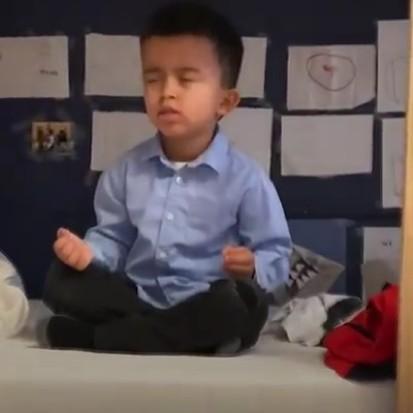5歲的小男孩用冥想,為孤兒院募得買玩具的捐款!