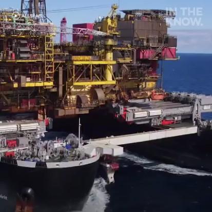 世界上最寬的工程船,還能承載油輪!