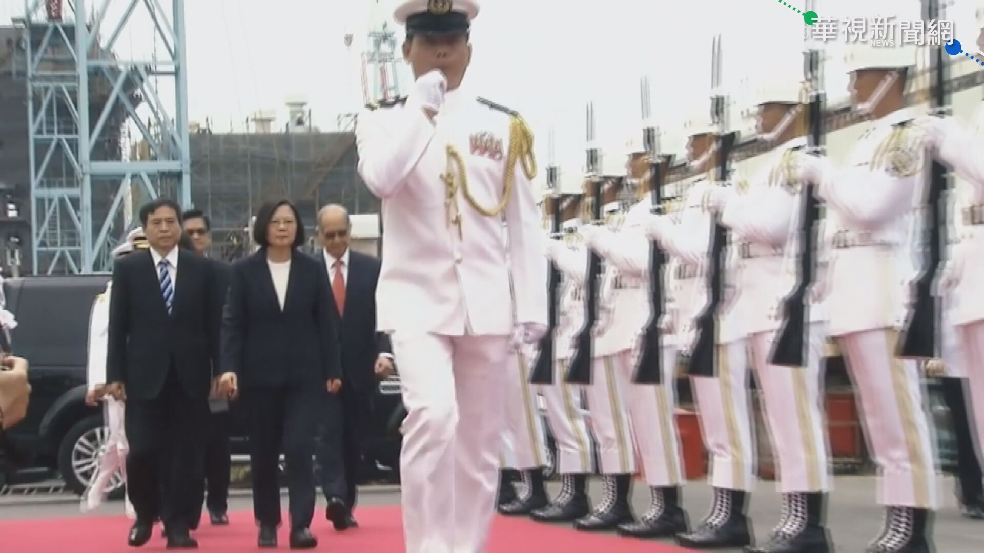 CH-47國慶吊掛最大國旗 試飛畫面曝