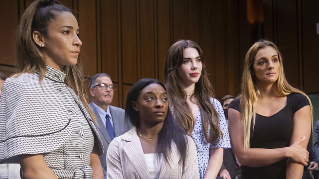 Superstar gymnasts give emotional testimony over the sexual abuse by disgraced doctor Larry Nassar - Yahoo News
