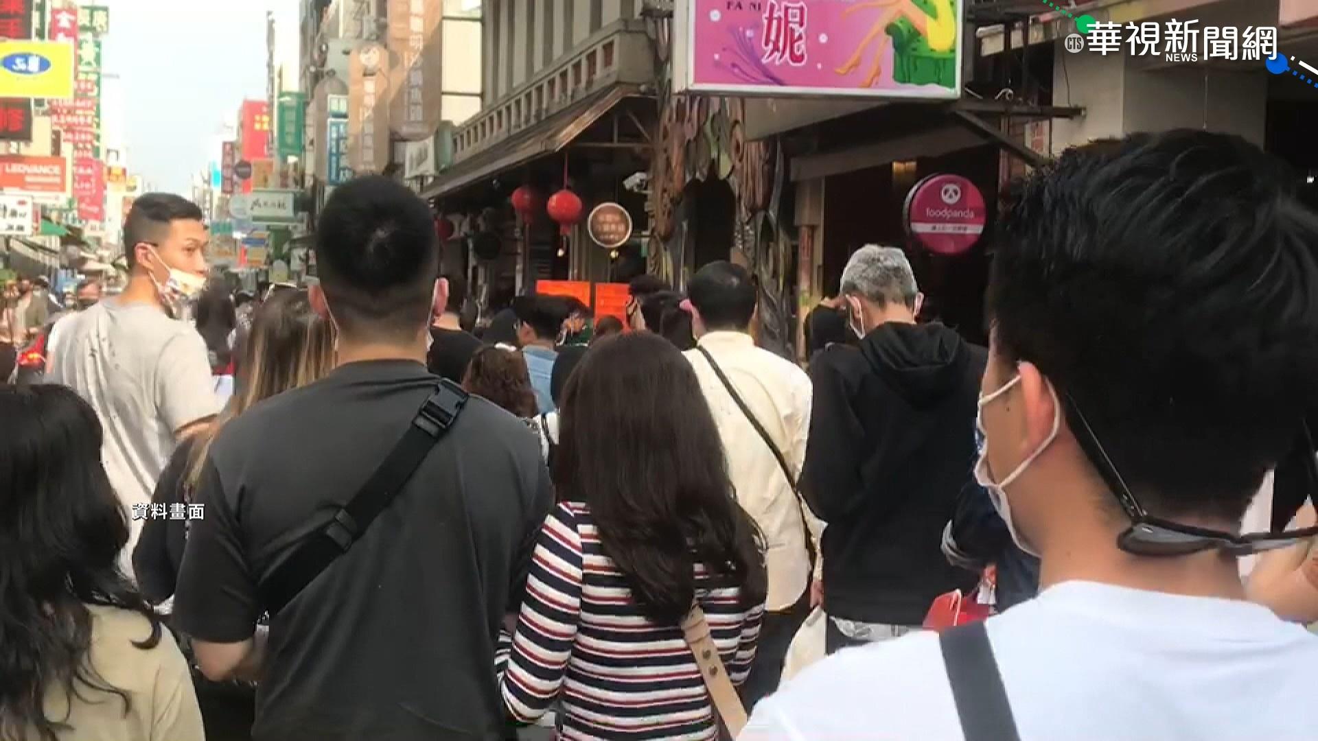 """萬巒豬腳迎中秋 """"虛擬帥警""""報停車資訊"""