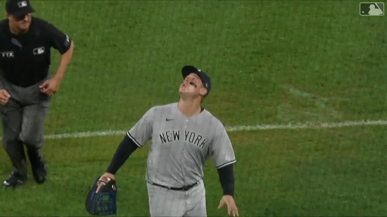 雨中仍有美技演出 Rizzo在牆邊驚險將球沒收【MLB球星精華】20210917