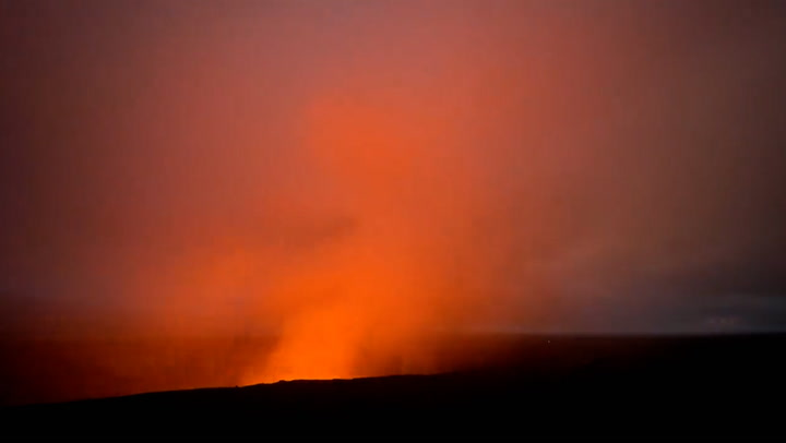Time-lapse video captures glow of Kilauea eruption