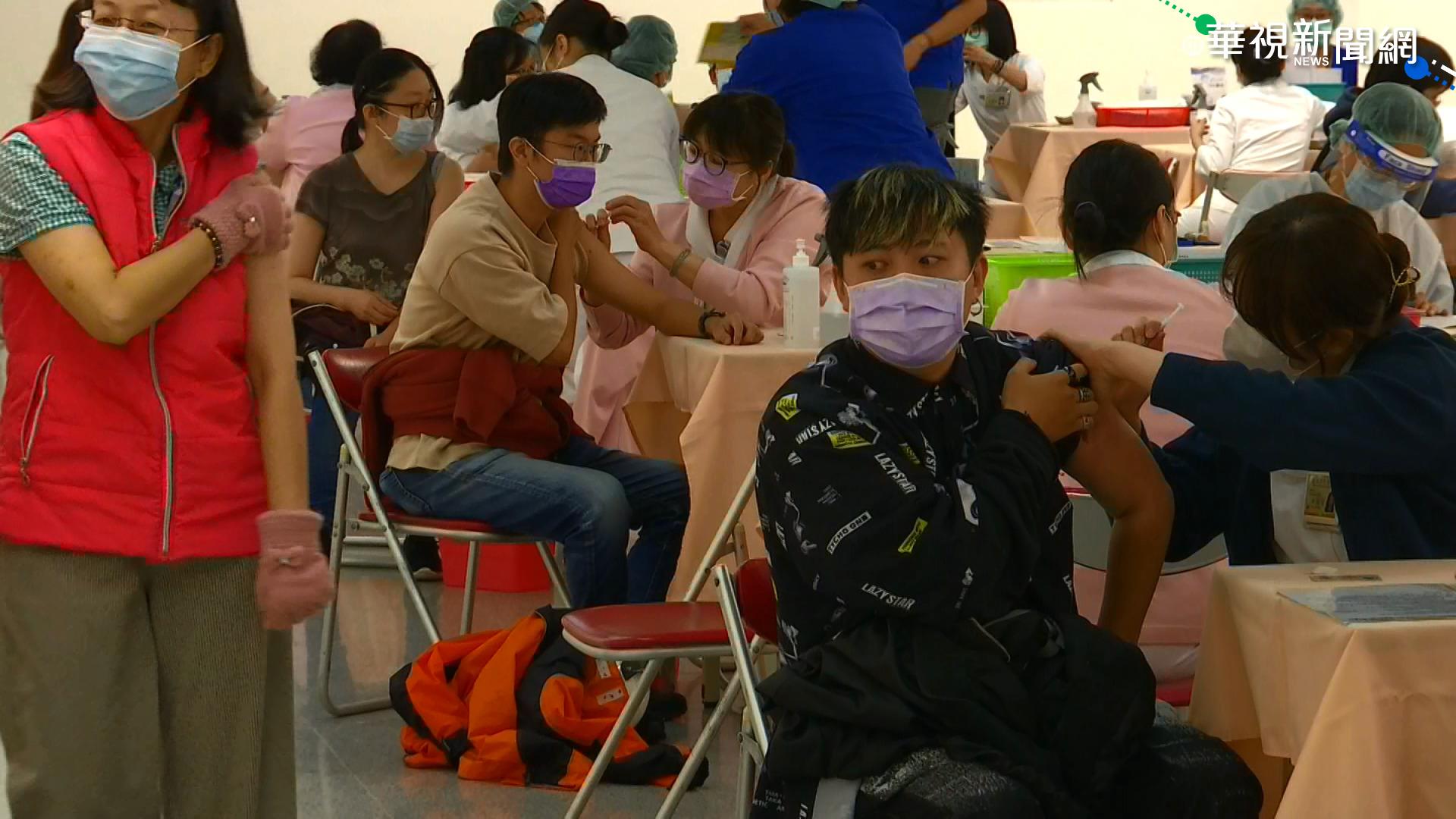 加開5接種站 中正紀念堂半小時打逾5百人