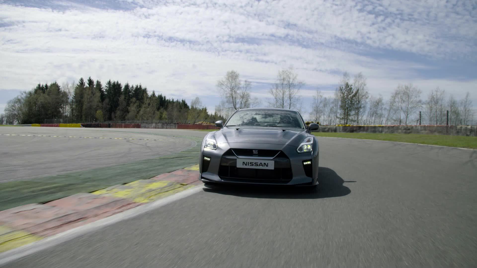 不敗戰神!2017 Nissan GT-R | 海外試駕