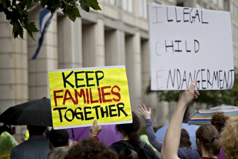 EE.UU. sigue separando a niños de sus familias, según ACLU