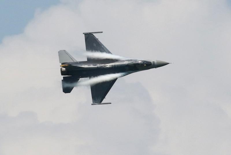 Posible venta de F-16 de EEUU a Taiwán desataría ira de China