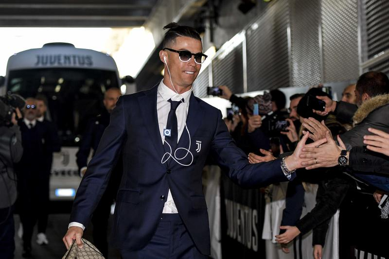 TURIN, ITALY - JANUARY 06: Cristiano Ronaldo of Juventus arrives at the stadium before the Serie A match between Juventus and Cagliari Calcio at Allianz Stadium on January 6, 2020 in Turin, Italy. (Photo by Daniele Badolato - Juventus FC/Juventus FC via Getty Images)