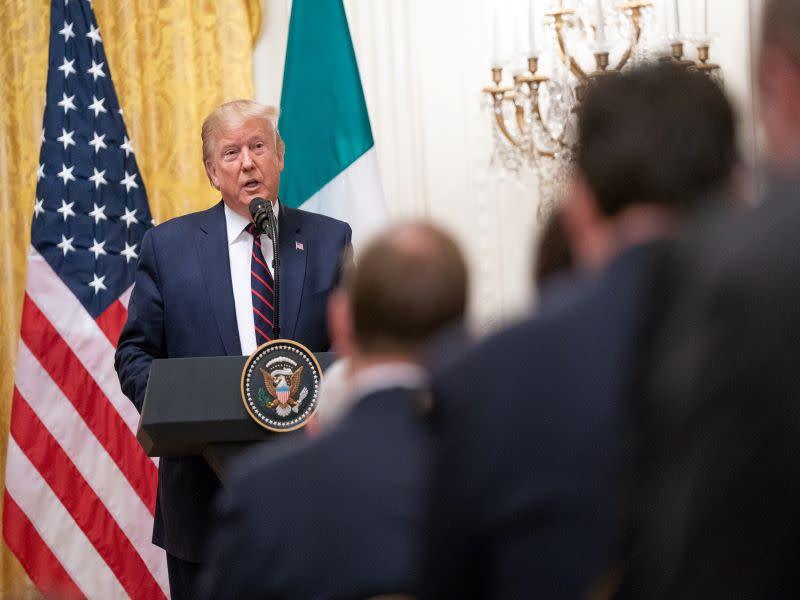 Il mercato delle criptovalute nelle mani di Trump e i dazi