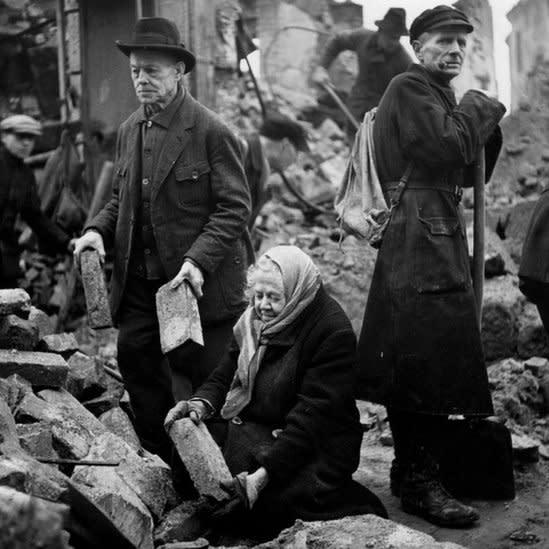 Reconstrucción en Dresden, Alemania. 1946