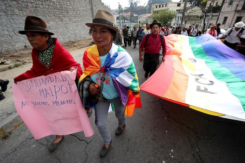 Indígenas llegan a Quito tras once días de caminata contra la minería