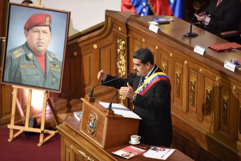 Maduro aumenta salario mínimo e impulsaría producción de crudo