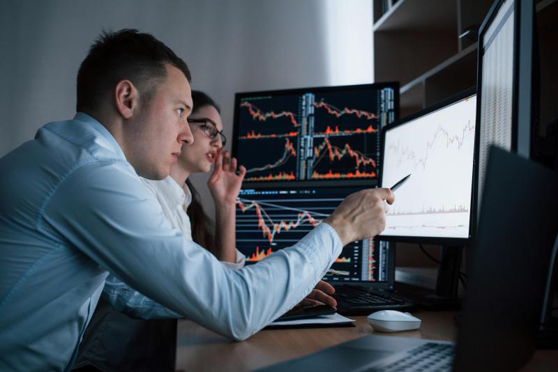 I tempi lunghi del Recovery Fund <br /> spengono l'entusiasmo delle Borse