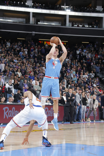 673854f01 Knicks rally in 4th quarter comes up short in loss to Kings