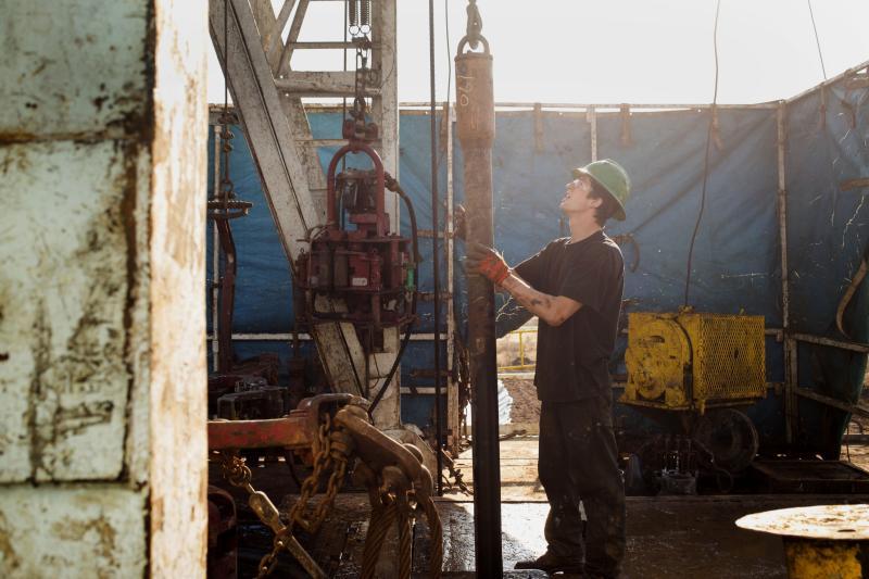 Chevron y Exxon Mobil analizarían ofertas por Energy Endeavor