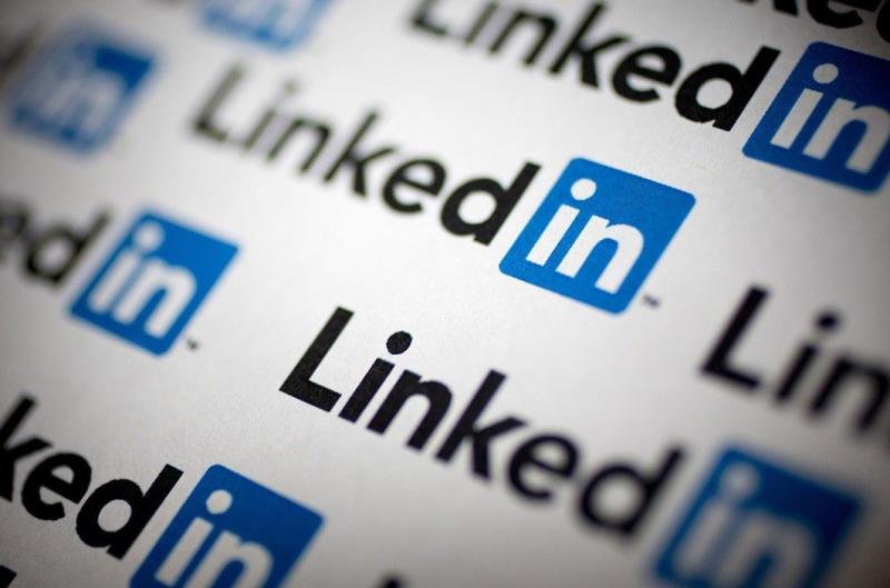 LinkedIn aiuta a cercare lavoro, ma intanto licenzia