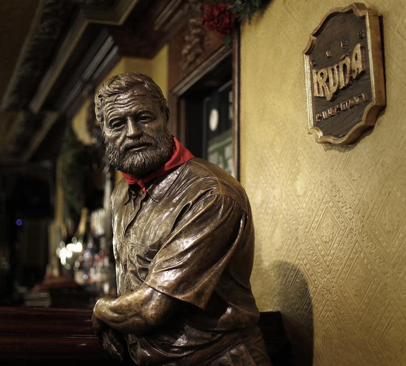 Hemingway acerca por tercer año al turista la imagen más cultural de Pamplona