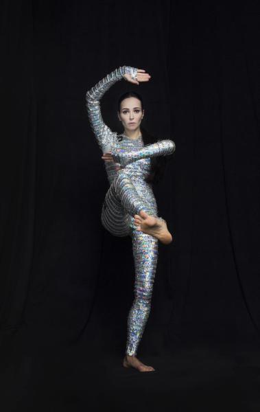 """Fotografía cedida por Jonathan Marder & Company donde aparece la bailarina rusa Diana Vishneva vestida por Bart Hess para el papel de la Princesa Aurora en la obra """"Sleeping Beauty Dreams"""" (Los sueños de la bella durmiente), creada a partir de una idea del holandés Rem Khass, que debuta este viernes en el Adrienne Arsht Center de Miami, Florida (EE.UU.). EFE/Jonathan Marder & Company"""