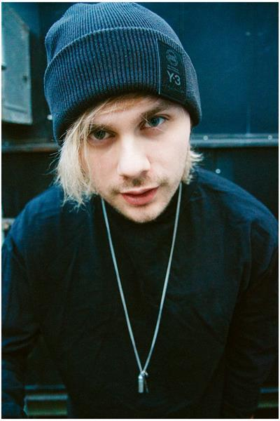 NightFood Photo:Michael Clifford of 5 Seconds of Summer