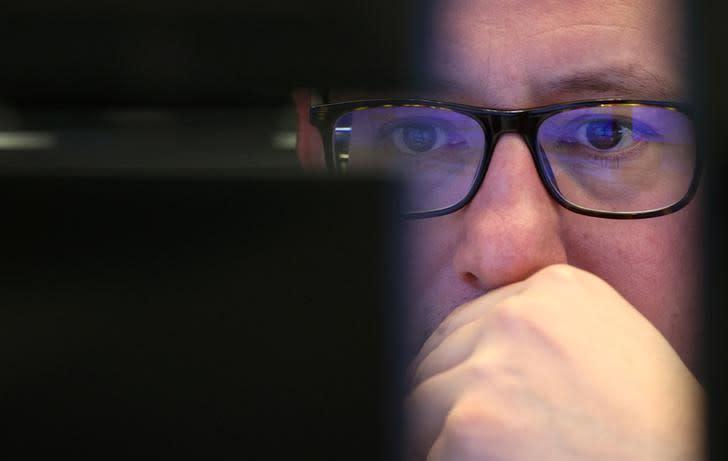 Borse Europa volatili, prima rimbalzano su misure stimolo poi ritracciano