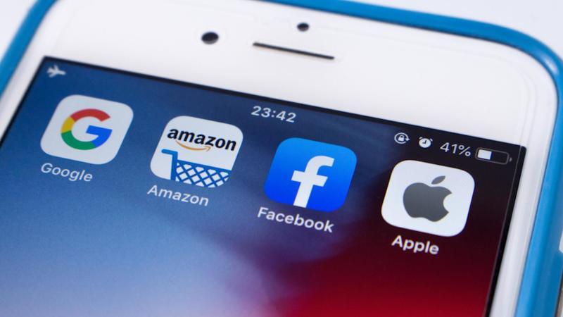 Apple, Amazon, Facebook e Google <br/ >battono le aspettative dei mercati