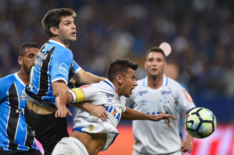 O duelo tenso da semifinal da Copa do Brasil de 2017 (Getty Images)